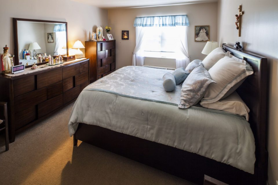 Mirota - Bedroom